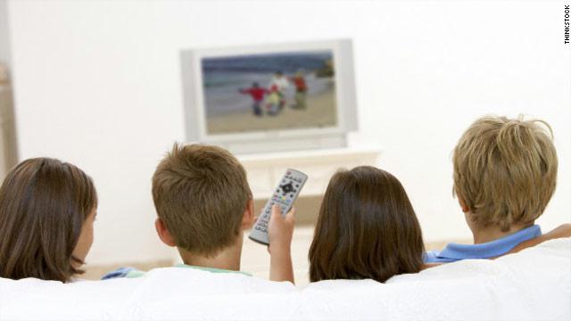 اضغط على الصورة لعرض أكبر  الاســـم:Gal.kids-watching-tv-.jpg المشاهدات:190 الحجـــم:21.6 كيلوبايت الرقم:282