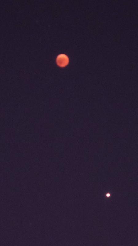 الاســـم:eclipse.jpg المشاهدات: 28 الحجـــم:11.2 كيلوبايت