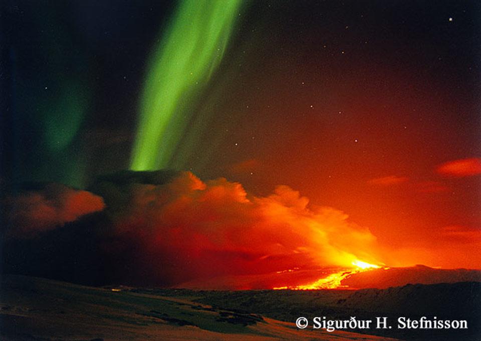 الاســـم:20120708101004_volcanoaurora2_shs_960.jpg المشاهدات: 182 الحجـــم:86.3 كيلوبايت